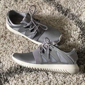 Adidas Tubular Viral - Silver - EUC!